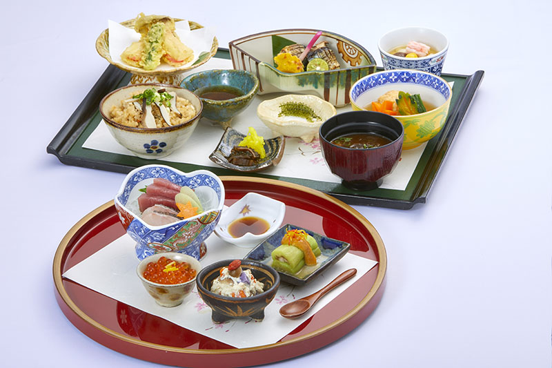 [period limitation] Seasonal meal Aya autumn wind low dining table to taste with the five senses