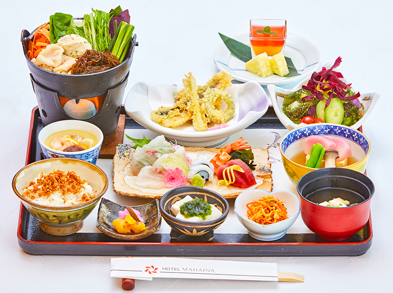 """[to 4/1 - 5/6] Seasonal meal Aya """"urizun low dining table"""" to taste with the five senses"""