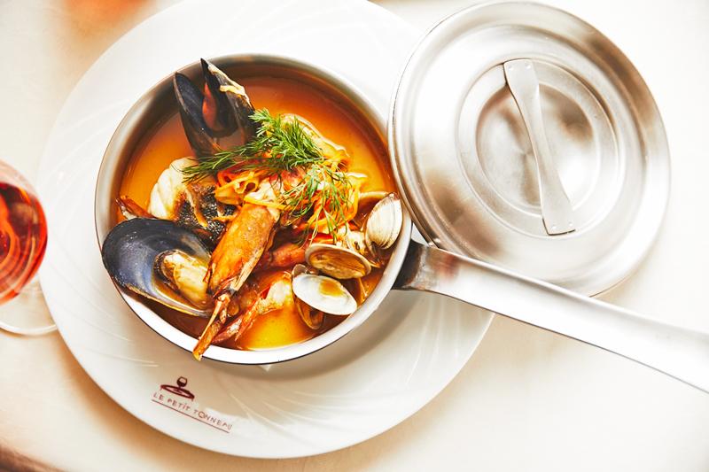 【夢の美食コラボ】フレンチの巨匠フィリップ・バットン氏が贈るValentine Dinner♥アラマハイナ コンドホテル